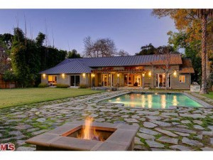 brian-austin-green-and-megan-buy-house-24